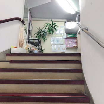 越前屋 階段