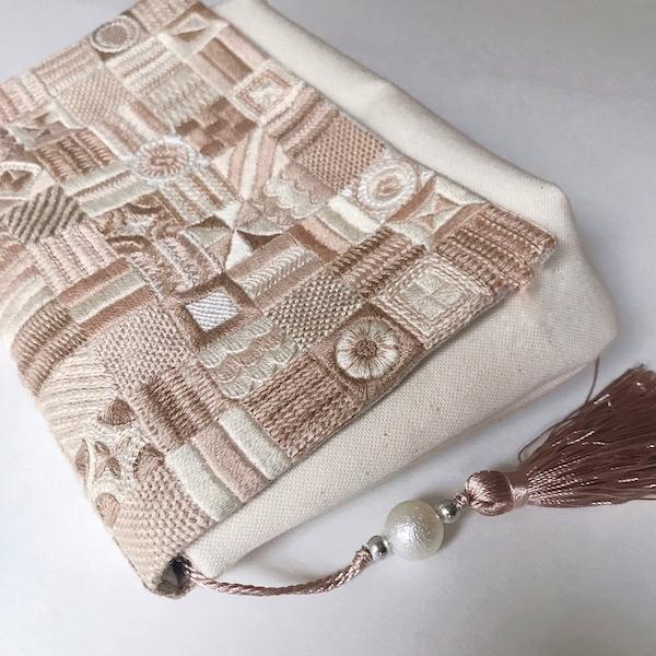刺繍クラッチバッグ
