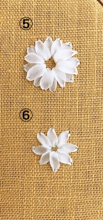 リボン刺繍のストレートステッチ