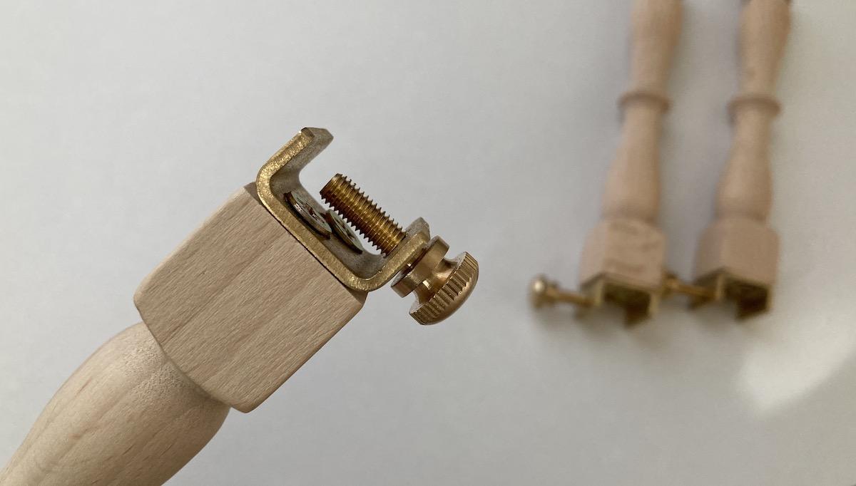 刺繍枠足の仕組み